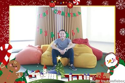 Garena-Christmas-Photobooth-in-Hanoi-Chup-hinh-in-anh-lay-lien-Tiec-Giang-sinh-tai-Ha-noi-WefieBox-Photobooth-Vietnam-028