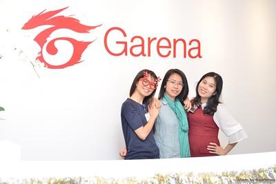 Garena-Christmas-Photobooth-in-Hanoi-Chup-hinh-in-anh-lay-lien-Tiec-Giang-sinh-tai-Ha-noi-WefieBox-Photobooth-Vietnam-021