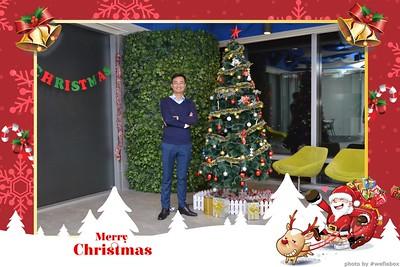 Garena-Christmas-Photobooth-in-Hanoi-Chup-hinh-in-anh-lay-lien-Tiec-Giang-sinh-tai-Ha-noi-WefieBox-Photobooth-Vietnam-004
