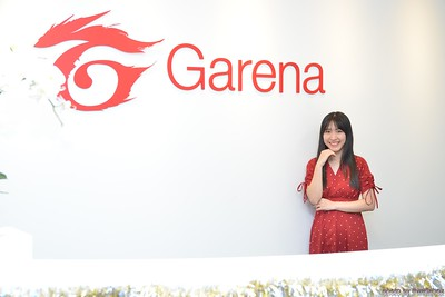 Garena-Christmas-Photobooth-in-Hanoi-Chup-hinh-in-anh-lay-lien-Tiec-Giang-sinh-tai-Ha-noi-WefieBox-Photobooth-Vietnam-020