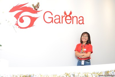 Garena-Christmas-Photobooth-in-Hanoi-Chup-hinh-in-anh-lay-lien-Tiec-Giang-sinh-tai-Ha-noi-WefieBox-Photobooth-Vietnam-016