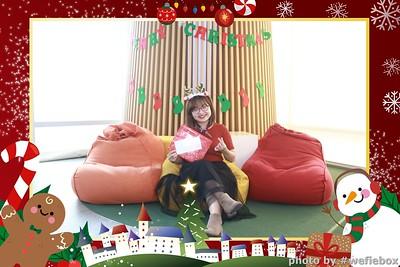 Garena-Christmas-Photobooth-in-Hanoi-Chup-hinh-in-anh-lay-lien-Tiec-Giang-sinh-tai-Ha-noi-WefieBox-Photobooth-Vietnam-035