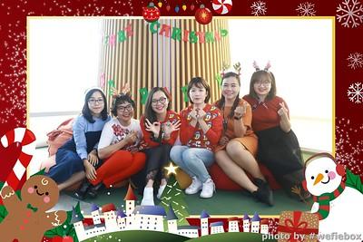 Garena-Christmas-Photobooth-in-Hanoi-Chup-hinh-in-anh-lay-lien-Tiec-Giang-sinh-tai-Ha-noi-WefieBox-Photobooth-Vietnam-036