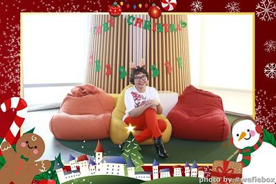 Garena-Christmas-Photobooth-in-Hanoi-Chup-hinh-in-anh-lay-lien-Tiec-Giang-sinh-tai-Ha-noi-WefieBox-Photobooth-Vietnam-034