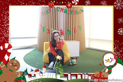 Garena-Christmas-Photobooth-in-Hanoi-Chup-hinh-in-anh-lay-lien-Tiec-Giang-sinh-tai-Ha-noi-WefieBox-Photobooth-Vietnam-033