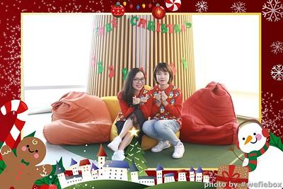 Garena-Christmas-Photobooth-in-Hanoi-Chup-hinh-in-anh-lay-lien-Tiec-Giang-sinh-tai-Ha-noi-WefieBox-Photobooth-Vietnam-045
