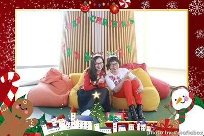 Garena-Christmas-Photobooth-in-Hanoi-Chup-hinh-in-anh-lay-lien-Tiec-Giang-sinh-tai-Ha-noi-WefieBox-Photobooth-Vietnam-031
