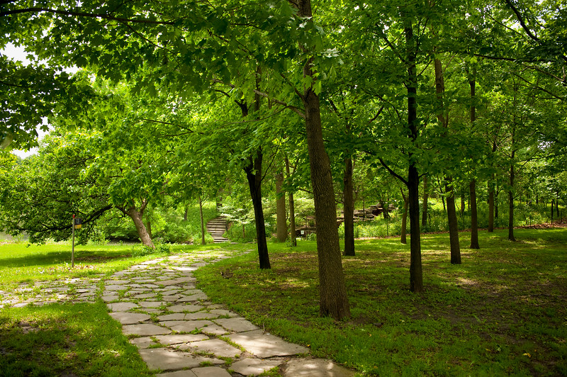 The walking trail of Columbus Park.
