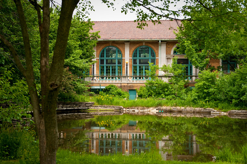 The lagoon and Refectory of Columbus Park.