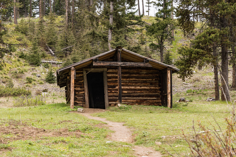Garnet Montana is host to a wonderfully preserved mining camp with about 20 buildings that you can go in and see how life was in the late 1800 to early 1900's