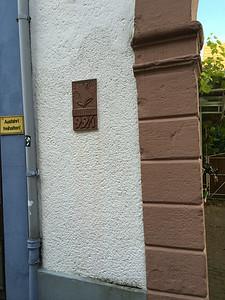 Wappen mit Hausnummer