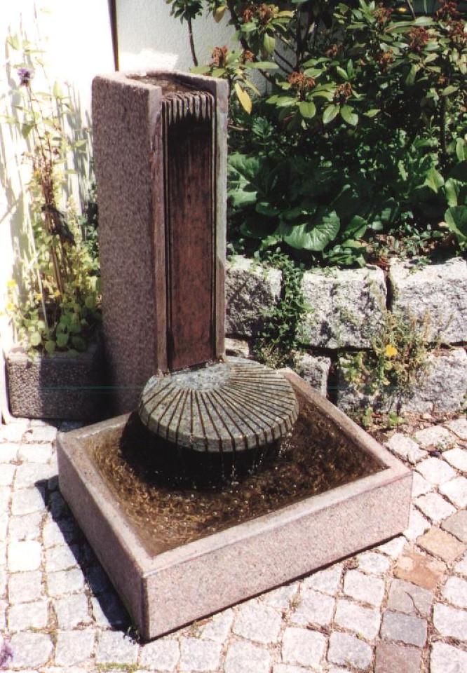 Brunnen aus Granit