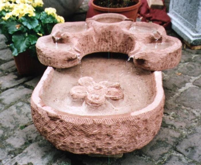 Kaskadenbrunnen aus Sandstein