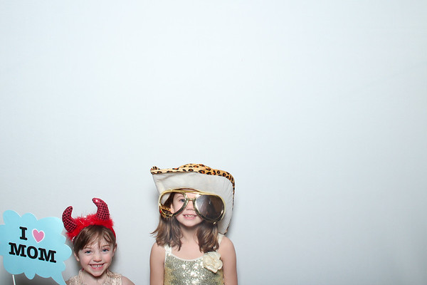 65-Birthday-Photobooth-013