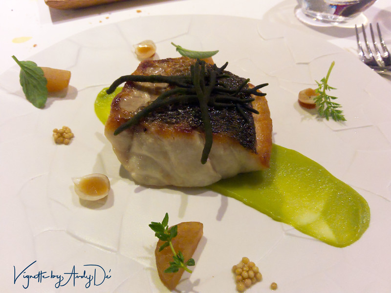 I had the SEA BASS served with an avocado, daikon and lime glaze, this was culinary art that undulated in front of my eyes - loved it!