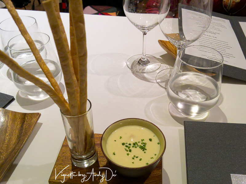 The bread sticks served up with a flavorful Turmeric mayonnaise emulsion was an awesome way to commence the adventure!