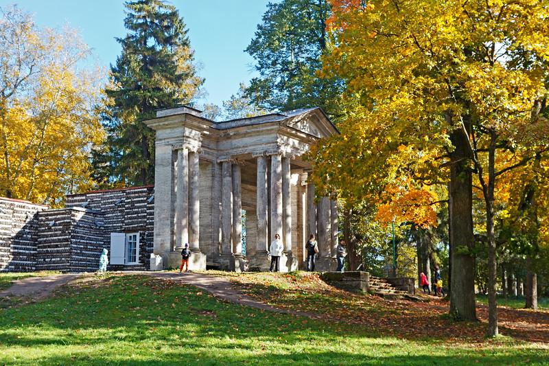 Gatchina Park. The Birch House / Гатчинский парк. Березовый домик