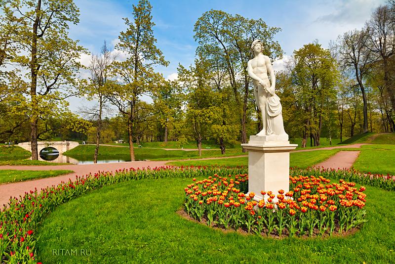 Gatchina Park. The Sculpture of Mars / Гатчинский парк. Скульптура Марса
