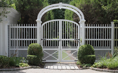 177 - 367717 - Westport CT - Custom Gate & Arbor