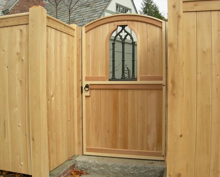 324180 - Cambridge MA - Custom Gate