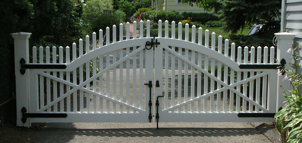 177 - Rye NY - Chestnut Hill Double Gate