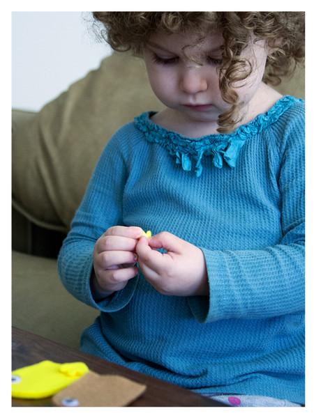 August 2014 Kiwi Crate: My Barnyard Friends, Making Duck Puppet
