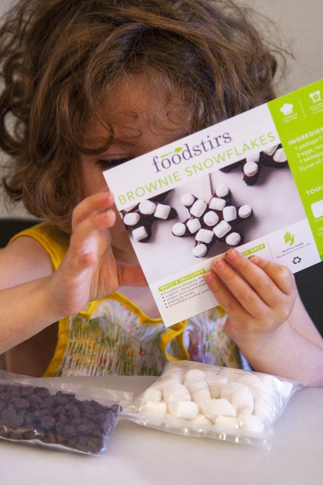 Gates Reads Foodstirs' Brownie Snowflake Instructions