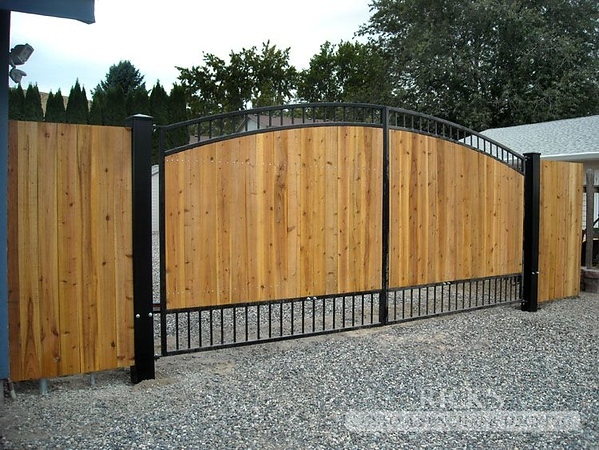 6214 - Ornamental Gate with Cedar Paneling