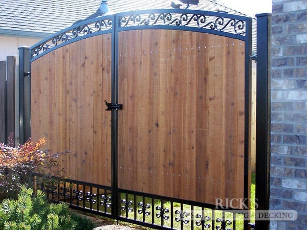 6209 - Ornamental Gate with Cedar Paneling