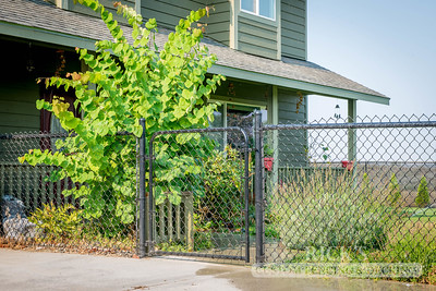 4105 - Black Chain Link Fencing