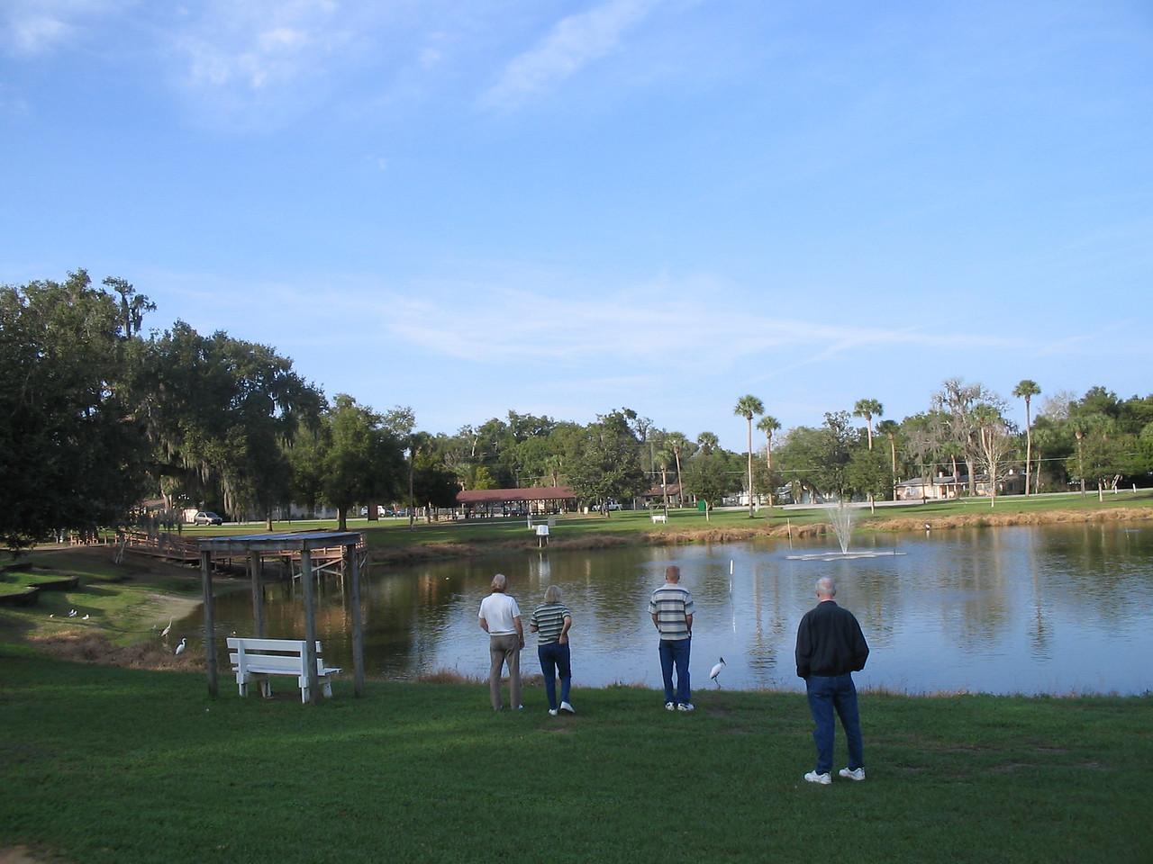 Folks enjoying Lake Lillian in downtown Belleview<br /> PHOTO CREDIT: Florida Trail Association / Sandra Friend