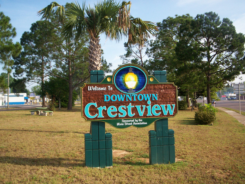 Welcome to downtown!<br /> PHOTO CREDIT: Wallis Mayo / Florida Trail Association