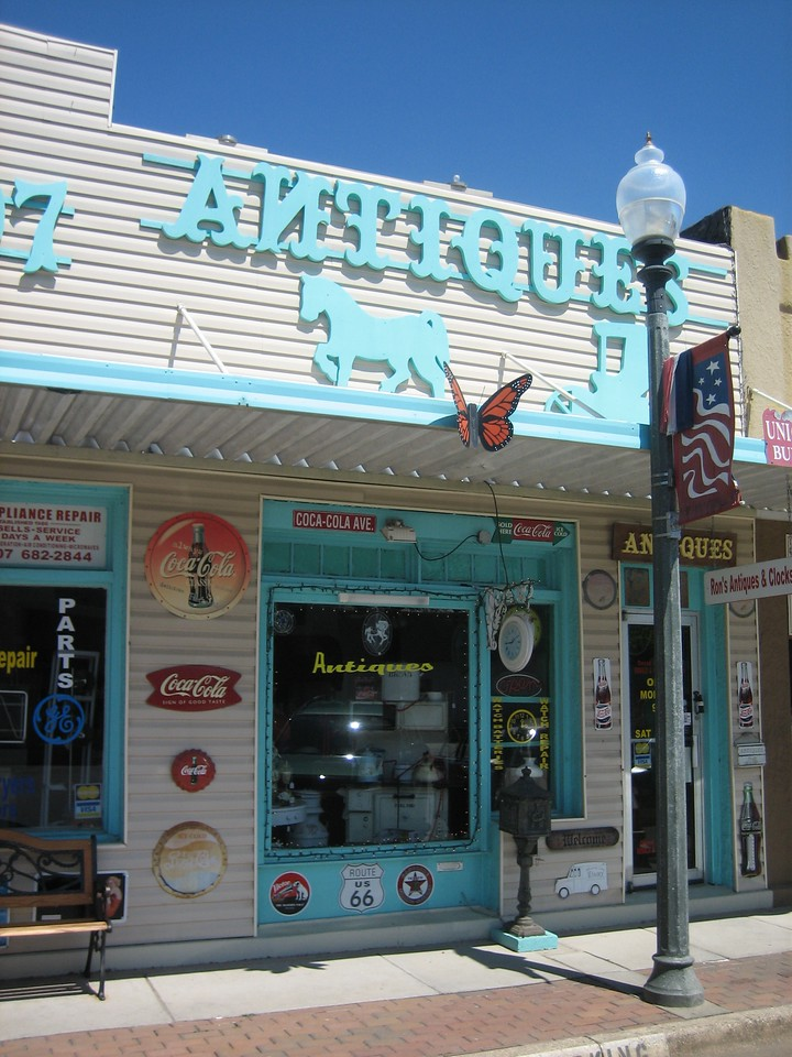 Antique shopping, Ron's Antiques, downtown<br /> PHOTO CREDIT: Sandra Friend / Florida Trail Association