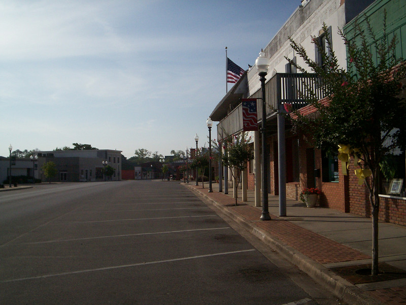 Looking south on Main Street<br /> PHOTO CREDIT: Wallis Mayo / Florida Trail Association