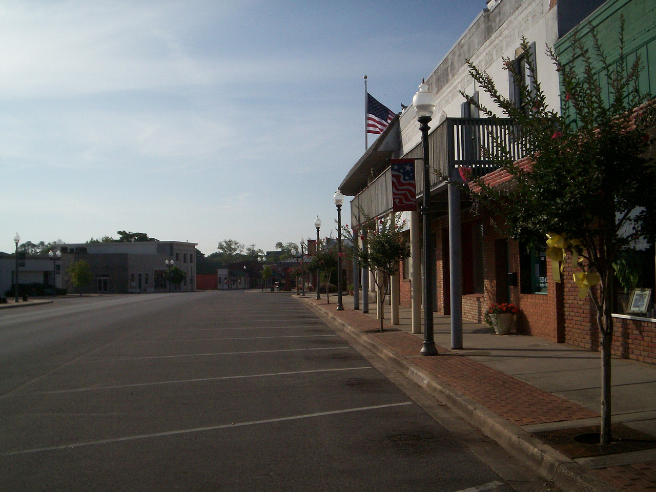 Looking south on Main Street<br /> PHOTO CREDIT: Wallis Mayo / Florida Trail Association