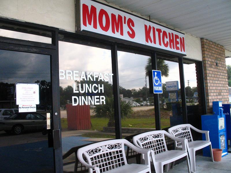 Mom's Kitchen (Sandra Friend)