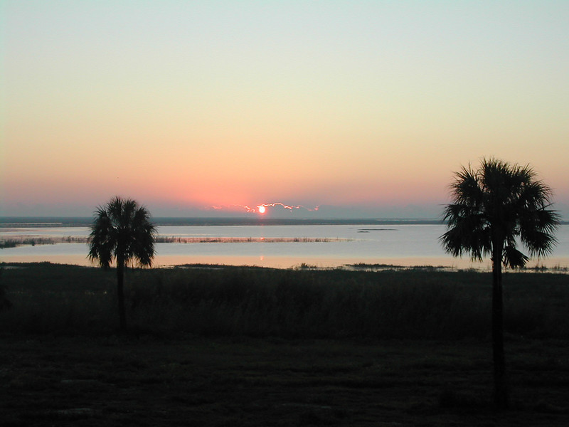 Okeechobee sunrise (Sandra Friend)