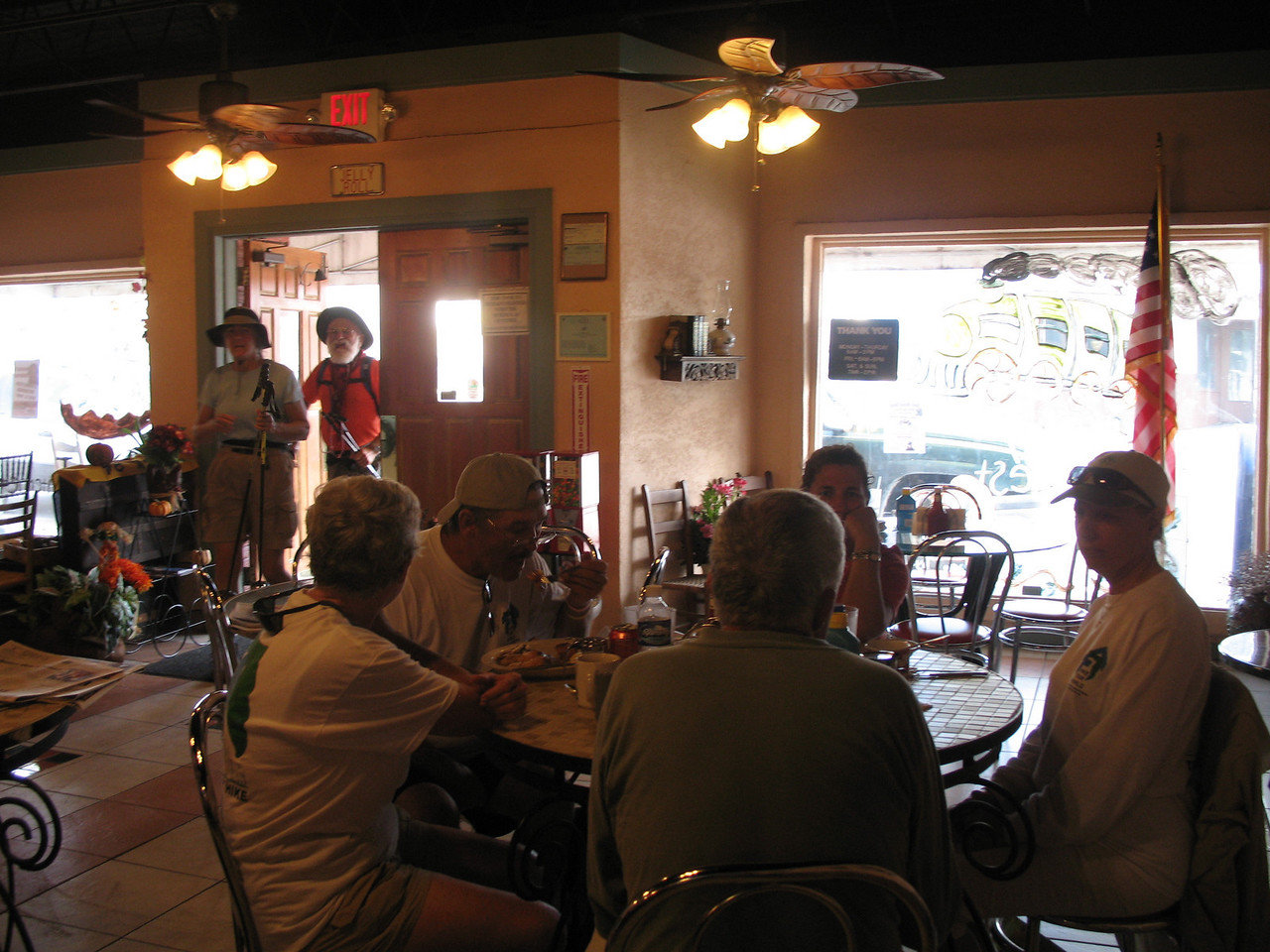 Hikers chowing down at Pahokee Junction (Sandra Friend)