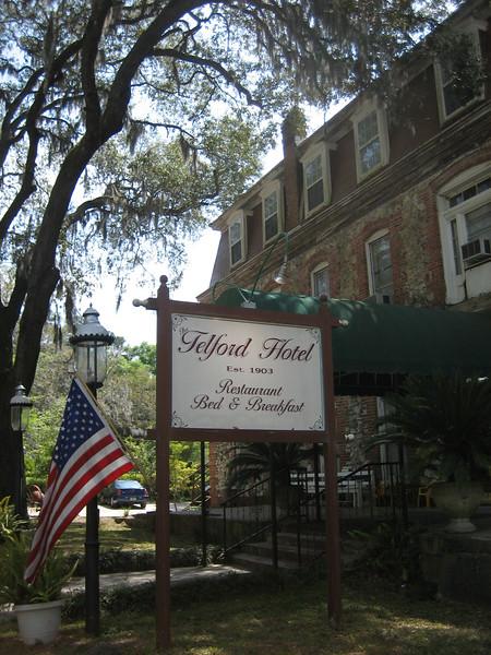 Telford Hotel<br /> PHOTO CREDIT: Sandra Friend / Florida Trail Association