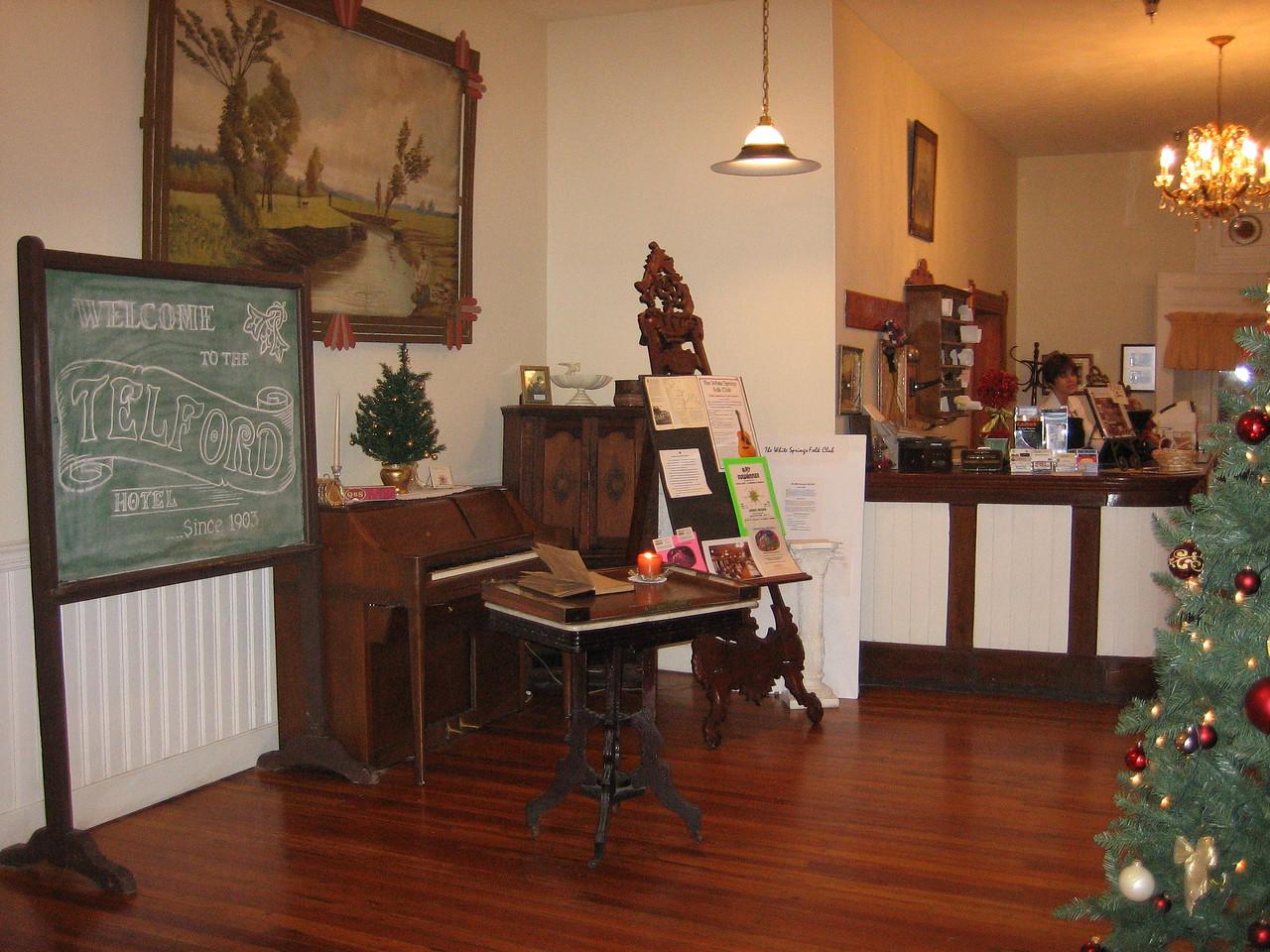 Historic Telford Hotel at Christmastime<br /> PHOTO CREDIT: Sandra Friend / Florida Trail Association