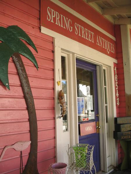 Spring Street Antiques<br /> PHOTO CREDIT: Sandra Friend / Florida Trail Association
