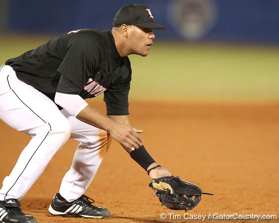 photo by Tim Casey<br /> <br /> Louisville third baseman Chris Dominguez gets ready during the sixth inning of the Gators' 6-3 win on Friday, February 20, 2009 at McKethan Stadium in Gainesville, Fla.