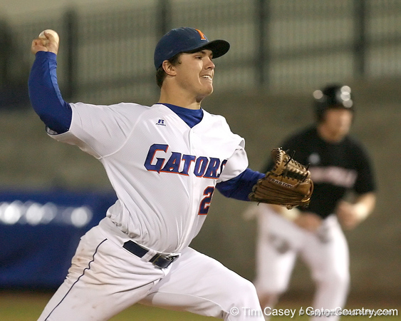 photo by Tim Casey<br /> <br /> Florida senior pitcher Patrick Keating winds up during the second inning of the Gators' 6-3 win on Friday, February 20, 2009 at McKethan Stadium in Gainesville, Fla.