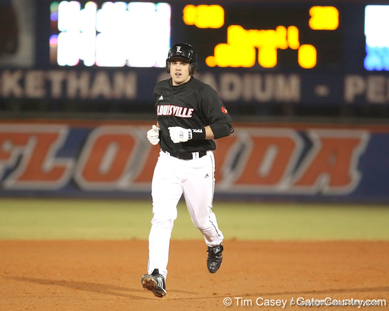 photo by Tim Casey<br /> <br /> Adam Duvall runs out a home run during the seventh inning of the Gators' 6-3 win on Friday, February 20, 2009 at McKethan Stadium in Gainesville, Fla.
