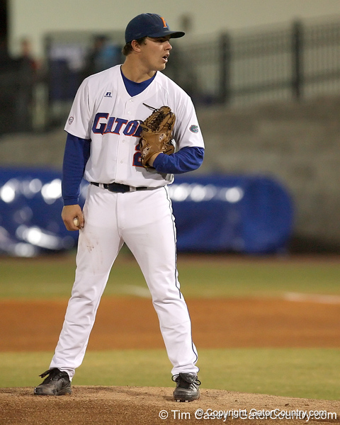photo by Tim Casey<br /> <br /> Florida senior pitcher Patrick Keating winds up during the Gators' 6-3 win on Friday, February 20, 2009 at McKethan Stadium in Gainesville, Fla.