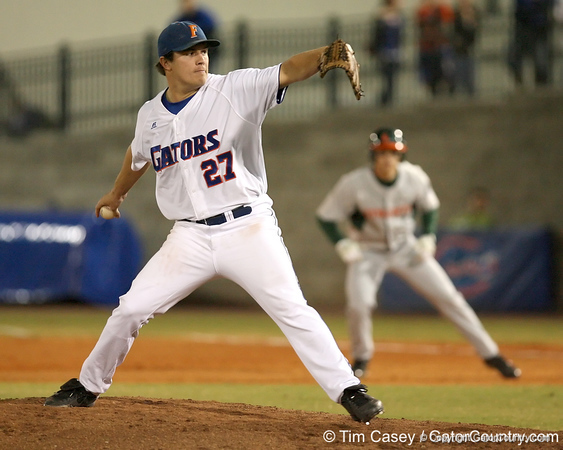 photo by Tim Casey<br /> <br /> Florida senior pitcher Patrick Keating winds up during the fourth inning of the Gators' 8-5 loss to the Miami Hurricanes on Friday, February 27, 2009 at McKethan Stadium in Gainesville, Fla.