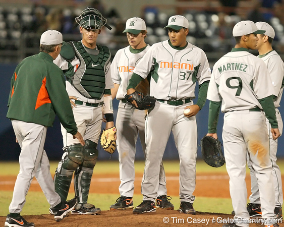 photo by Tim Casey<br /> <br /> Jim Morris removes Daniel Miranda from the game during the eighth inning of the Gators' 8-5 loss to the Miami Hurricanes on Friday, February 27, 2009 at McKethan Stadium in Gainesville, Fla.