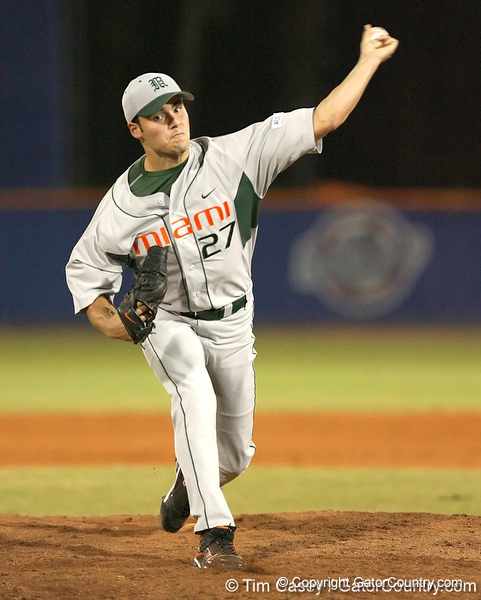 photo by Tim Casey<br /> <br /> Chris Hernandez warms up during the fifth inning of the Gators' 8-5 loss to the Miami Hurricanes on Friday, February 27, 2009 at McKethan Stadium in Gainesville, Fla.