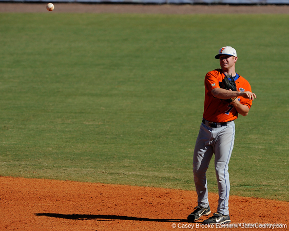 Florida sophomore Clayton Pisani throws to first base during the University of Florida Orange and Blue scrimmage game in Gainesville, Fla on November 8, 2008. (Casey Brooke Lawson / Gator Country)