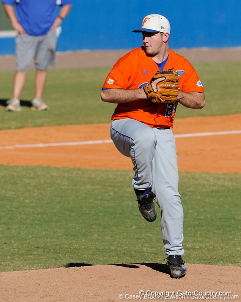 Florida freshman Alex Panteliodis pitches during the University of Florida Orange and Blue scrimmage game in Gainesville, Fla on November 8, 2008. (Casey Brooke Lawson / Gator Country)